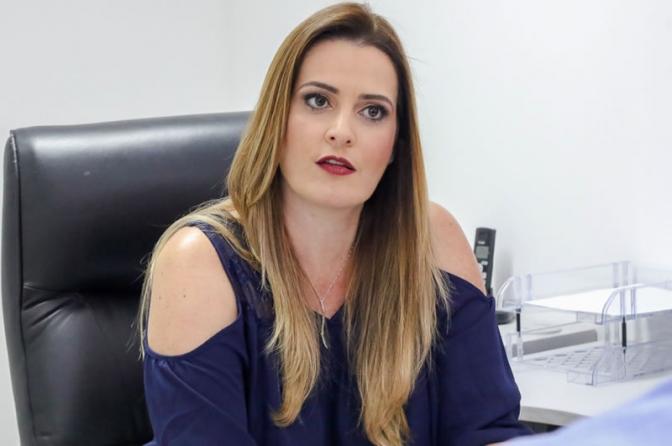 Delegacia de Homicídios de Cuiabá resolve 100% dos casos de feminicídio, diz delegada