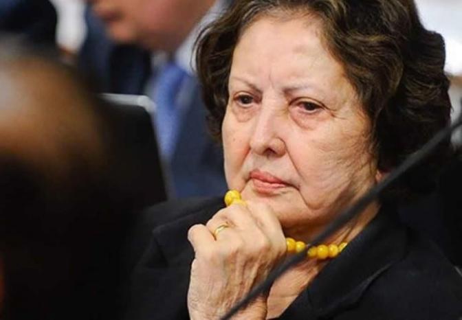 Senadora do projeto de demissão de concursados, faltou 80% das sessões no Senado
