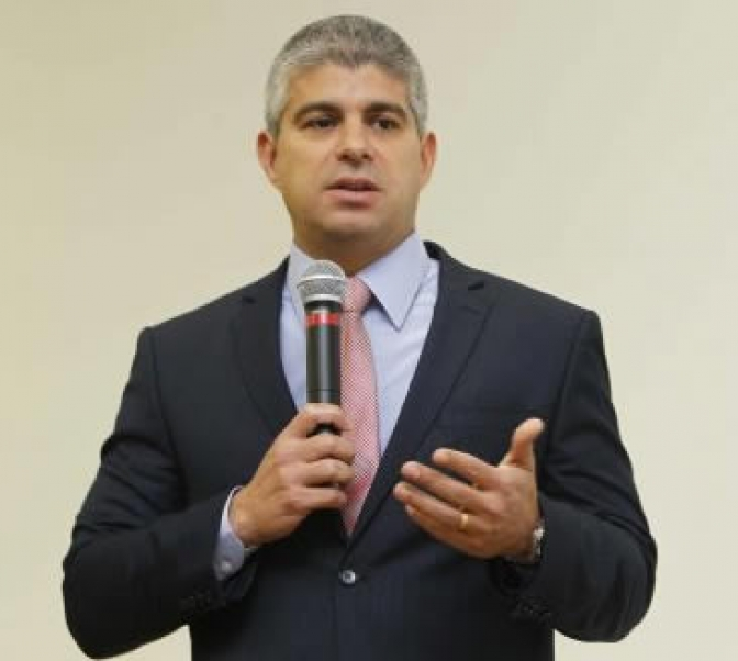 Secretário de segurança da Bahia se solidariza a delegado e esposa vítimas de assalto