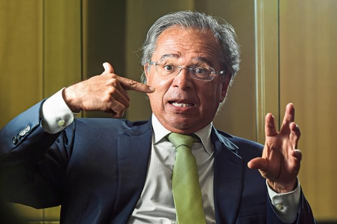 """Paulo Guedes chama servidores de """"parasitas""""; Associação de Delegados da PF repudia"""