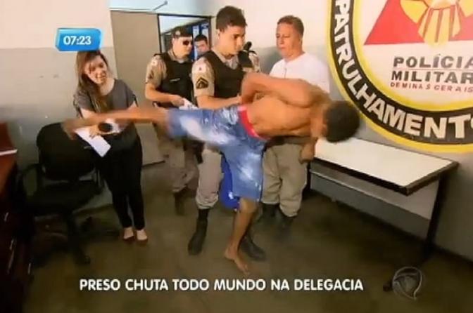 """Conduta do delegado quando o preso """"dá trabalho"""" durante o interrogatório"""