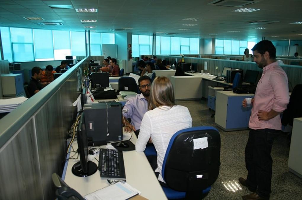 Servidores públicos que ingressaram até 2003 mantêm integralidade dos salários