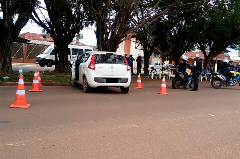 PM apreende viatura da Polícia Civil que realizava operação em Porto Velho