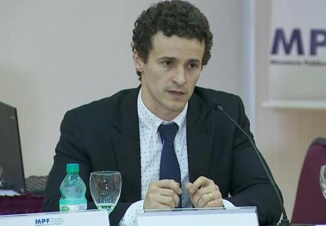 "Para Ministério Público, ex-presidente é só ""Sr. Luiz Inácio""…"