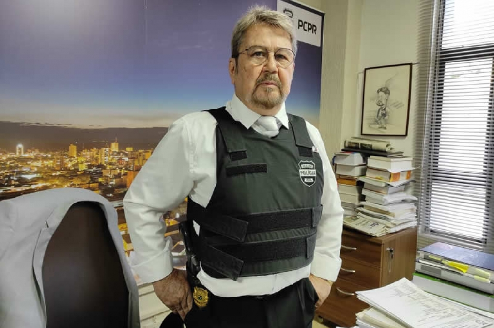 Delegado com 73 anos de idade completa 50 anos de carreira na Polícia Civil do Paraná