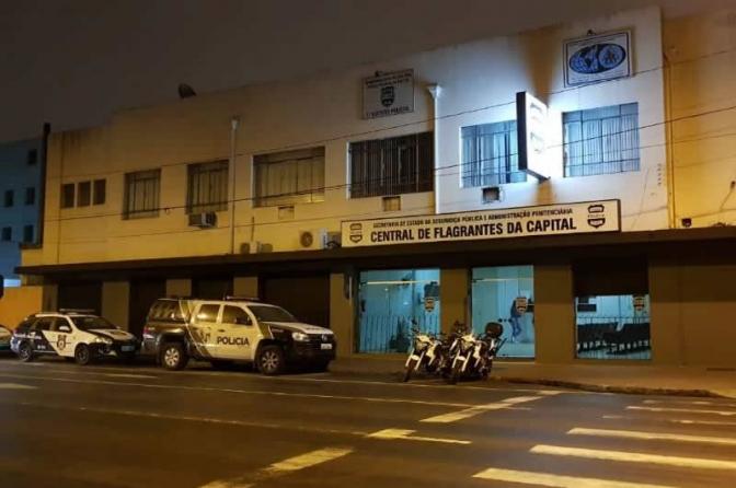 Idoso furta celular de delegado ao ser solto de prisão em Curitiba