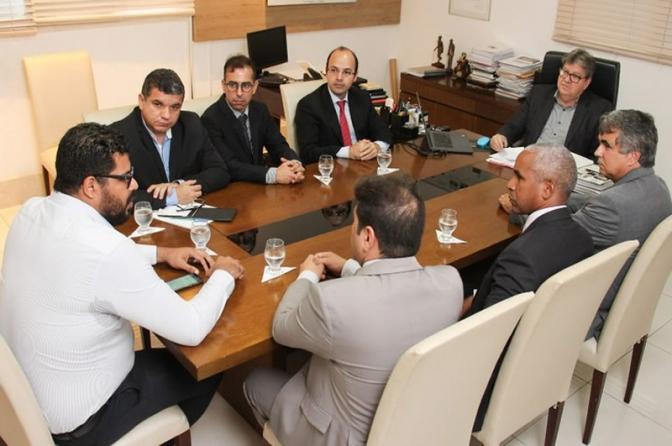 Governador Azevêdo discute ressocialização com representantes do Conselho da Comunidade de João Pessoa