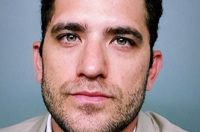 Delegado Rafael Pavarina morre afogado em área perigosa de praia em Guarujá