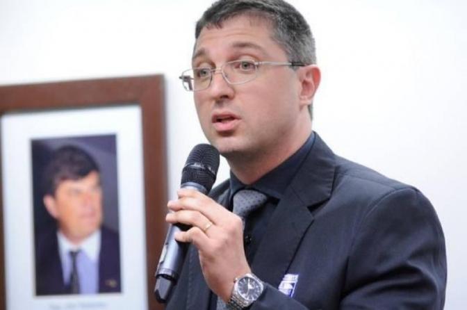 Delegado da PF que investigou Ricardo Salles tem nomeação barrada