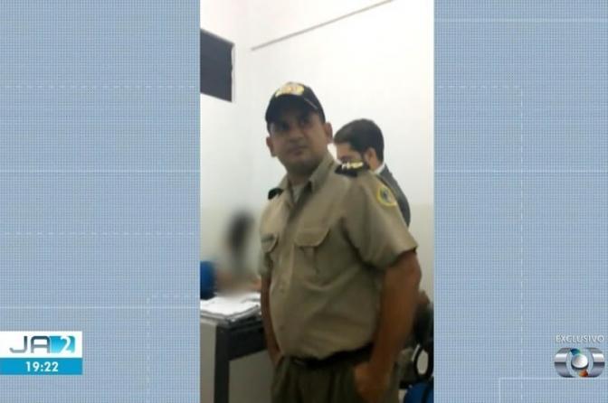Tenente-coronel invade sala de depoimento e bate boca com delegado; vídeo