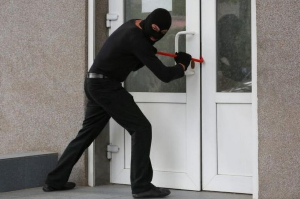 STJ: quebrar cadeado e a fechadura são meros atos preparatórios que impedem condenação por tentativa de roubo