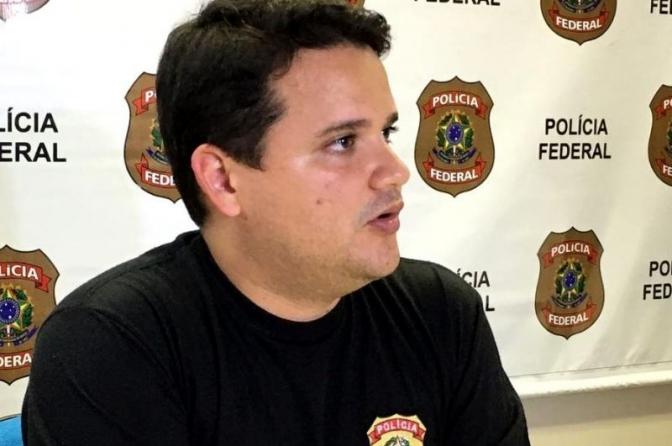 Associação e Federação dos delegados da PF repudiam abertura de inquérito contra delegado que investigou Bolsonaro