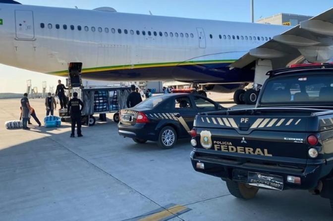 2 bandidosmorrem em confronto com a PF durante operação contra tráfico de drogas pelo Aeroporto de Viracopos