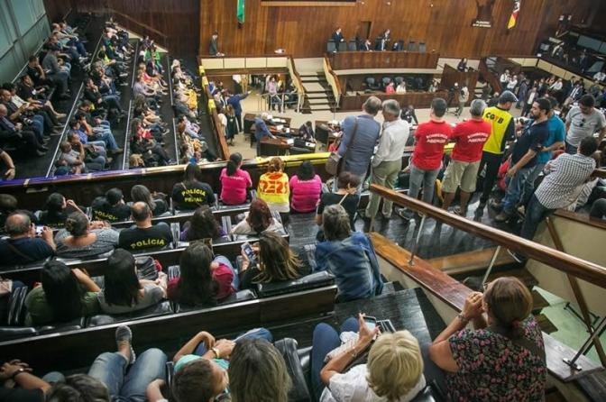 AL-RS aprova extinção da licença-prêmio para os servidores estaduais