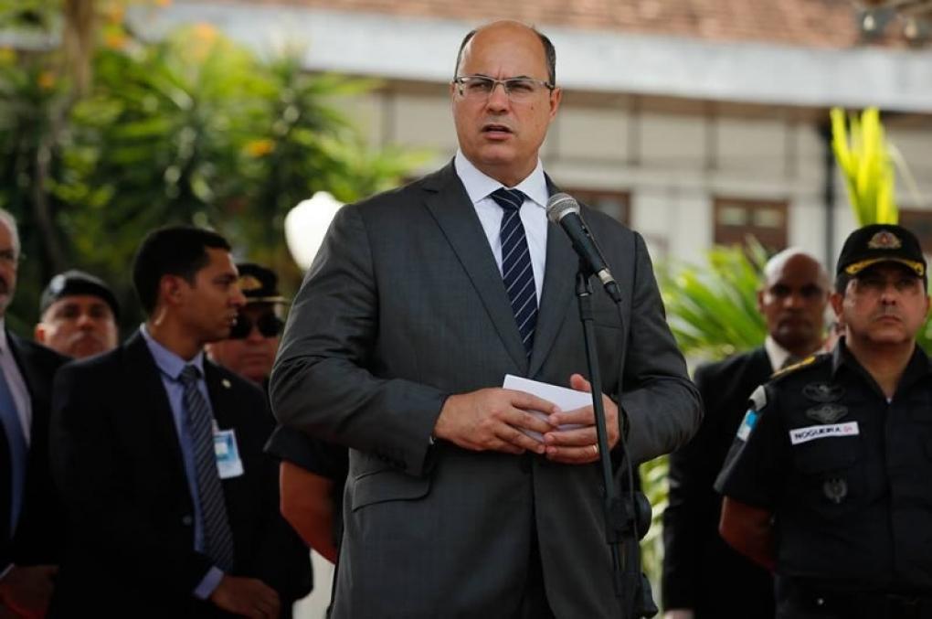 Governador do Rio reajusta em 45% a hora extra de policiais! Veja o vídeo!