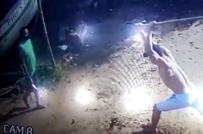 Enxada versus Faca! Policiais Civis do PI prendem suspeito que matou homem com 25 facadas; veja o vídeo!