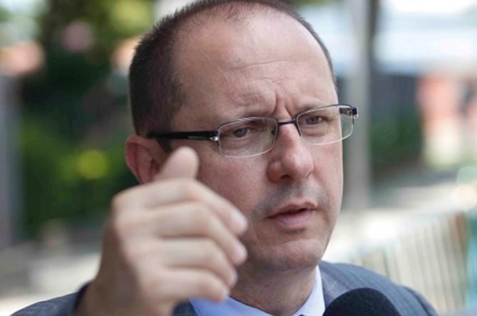 Advogado não aceita ser revistado em fórum do interior de Minas