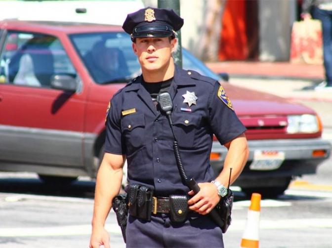 Policial brasileiro vai passear nos EUA, é tratado como herói e ainda ganha ingressos