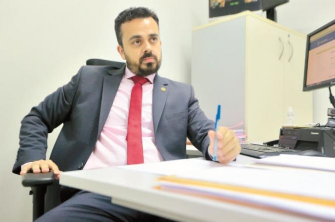 Delegados entregam 'cargos' após mudança na área de combate à corrupção em Goiás
