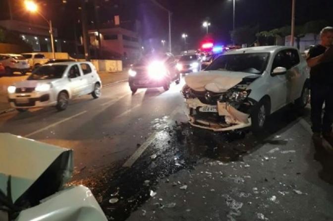 Policial civil é preso após colidir contra veículo de delegado