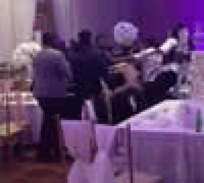 Ex distribui fotos de noiva nua e casamento termina em briga generalizada; vídeo
