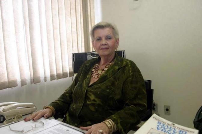 Morre Lúcia Stefanovich, primeira delegada do Brasil!