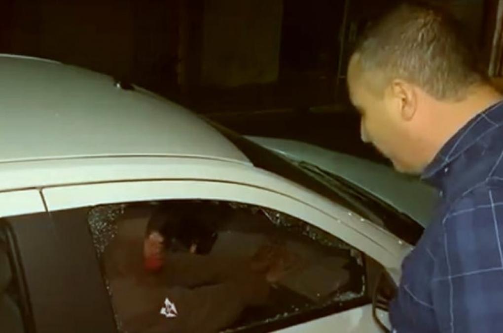 Ladrãoque furtava carro fingiu estar dormindo para enganar delegado