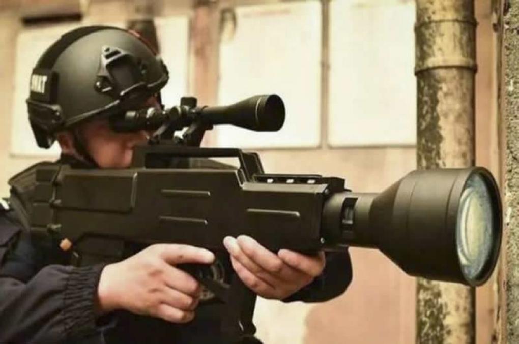 China cria 'fuzil' de laser capaz de carbonizar um alvo a 800m de distância
