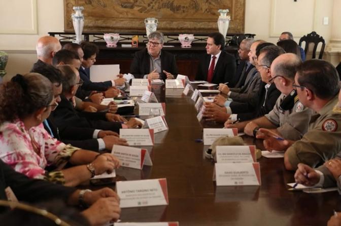 Governador da PBse reúne com entidades da Segurança e cria Comissão para estudar demandas