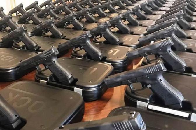 Governo federal reduz a zero alíquota de importação de revólveres e pistolas!