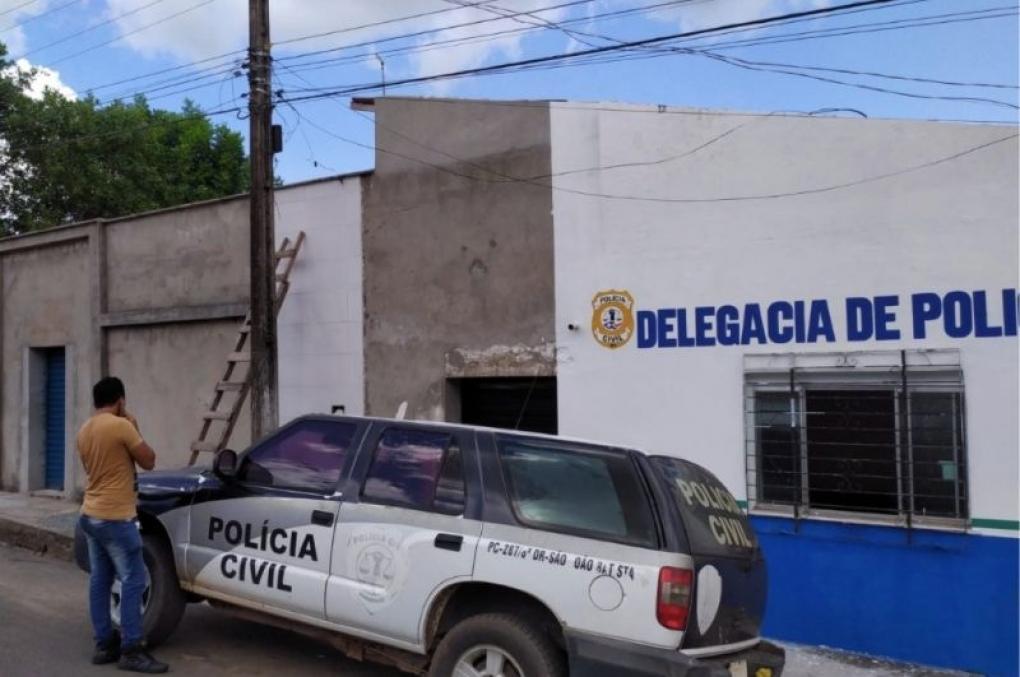 Policiais civis do MA prendem em flagrante homem que furtava energia do prédio da delegacia!
