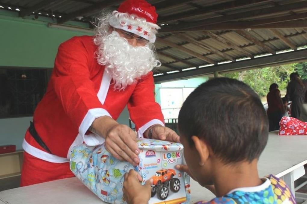 """""""Natal do Delegado Legal"""" da Adepol Amazonas arrecada alimentos para crianças"""