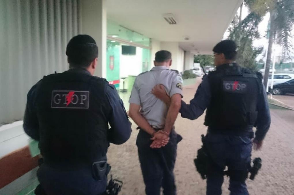 Policial Militar é detido após tomar refrigerante de colega em Uberlândia