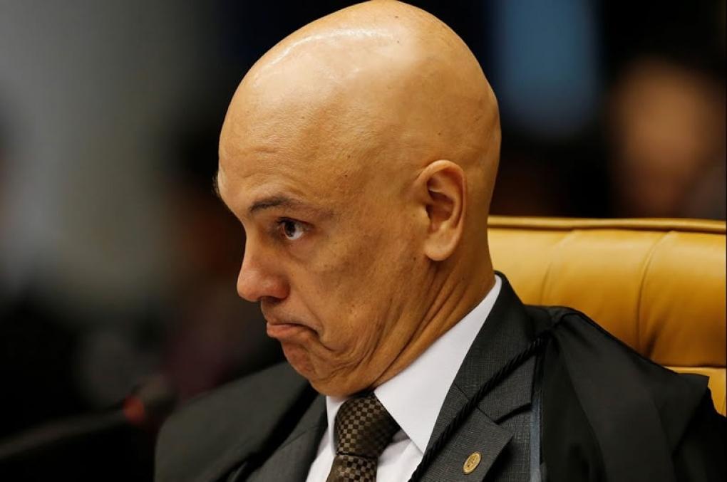 Ministro do STF dá carteirada em aeroporto e briga com a PF