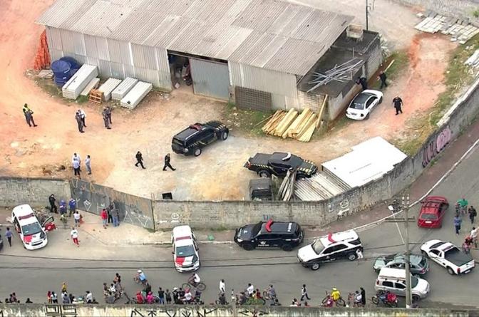 Disfarçado de policiais federais, bandidos roubam mais de 700 quilos de ouro em SP; veja vídeo