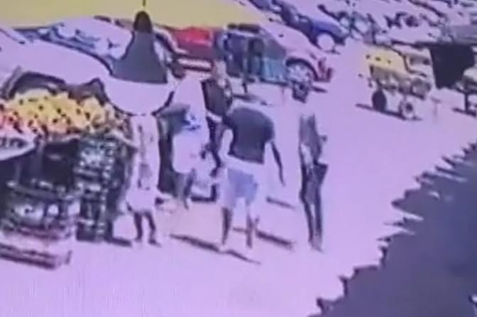 Imagens mostram momento em que delegado é morto a tiros durante assalto na Bahia