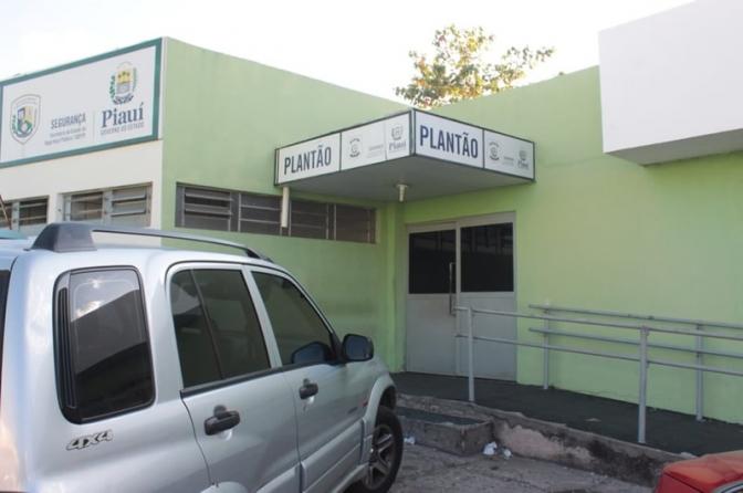 A cada domingo, delegados sofrem tentativa de homicídio em frente à Central de Flagrantes no PI