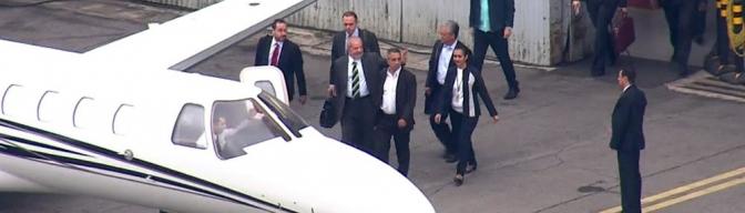 Lula chega a Curitiba para prestar depoimento ao juiz Sérgio Moro