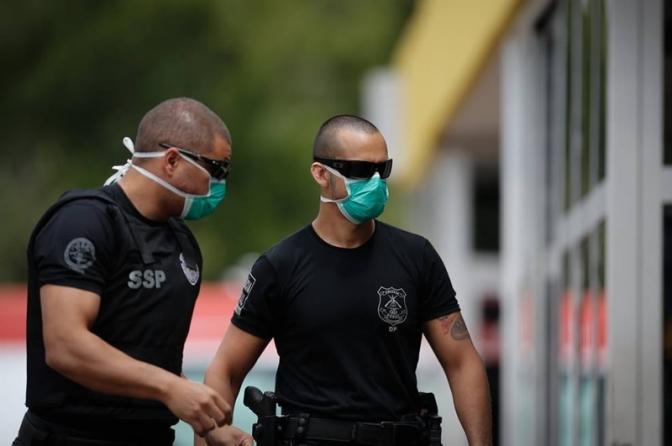 Enquanto nos EUA os policiais pegam Coronavírus, aqui no Brasil a Polícia é imune ao contágio!