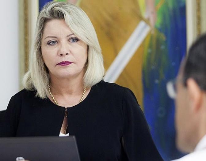 Juíza de Mato Grosso é comparada a Moro e aplaudida nas ruas