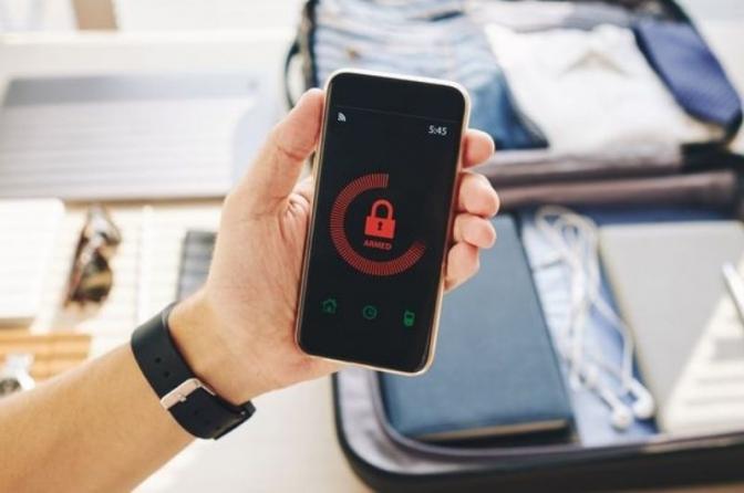 Código que diz revelar se o seu celular vem sendo espionado é falso; entenda