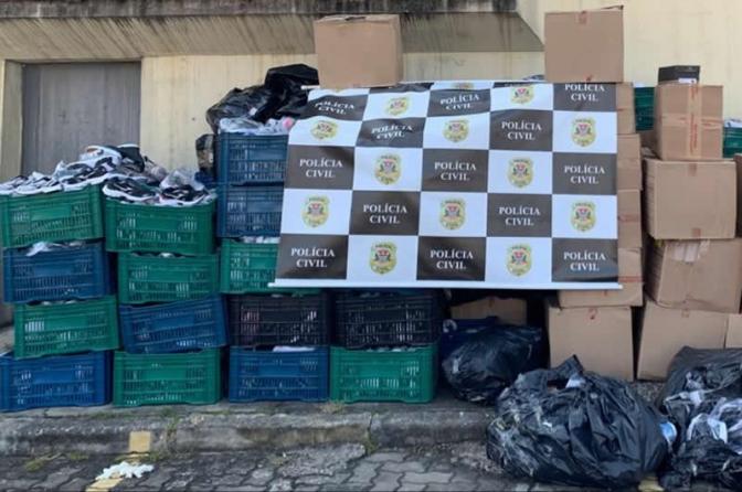 Uma tonelada de tênis pirateados apreendida no Brás