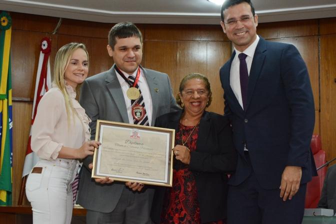 Atuação contra fraudes e falsificações rende homenagem ao delegado Lucas Sá