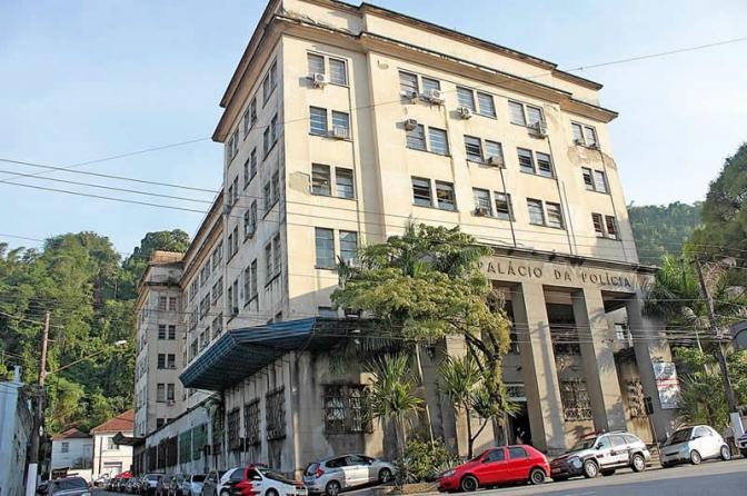 Judiciário determina interdição do Palácio da Polícia Civil de Santos por risco de desmoronamento