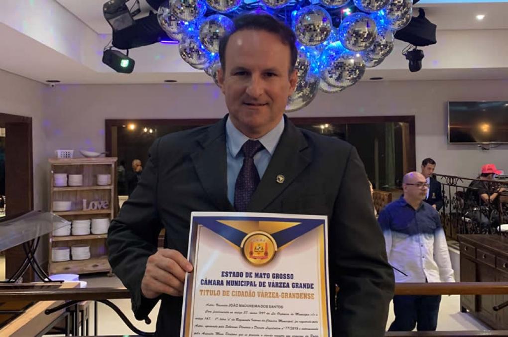 Delegado Jefferson Chaves é homenageado com título de cidadão várzea-grandense