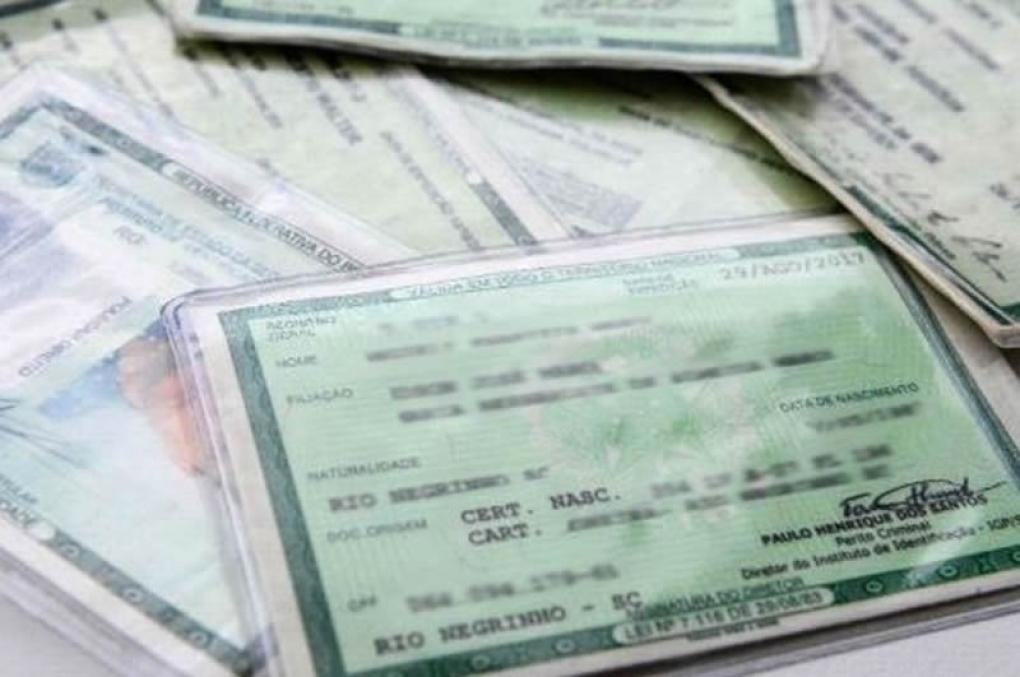 """""""Andar"""" sem documentos de identificação é crime?"""