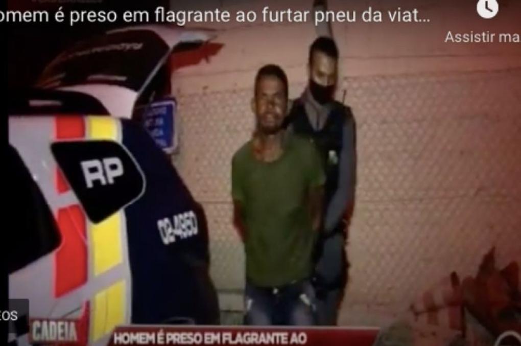 Ladrão é preso após furtar pneu de viatura da PM; veja o vídeo!