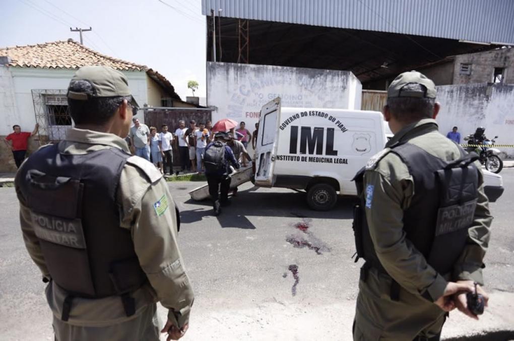 Polícia Militar contraria constituição e abre inquérito para apurar crime doloso contra vida