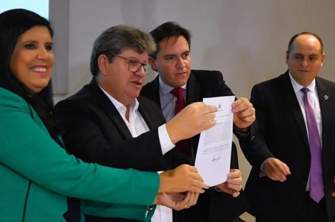 Governador da Paraíba assina promoção de quase 800 policiais civis!