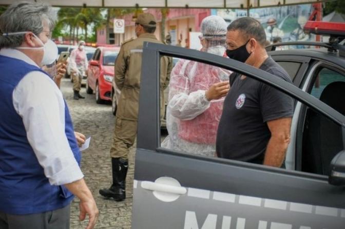 Governador João Azevêdo acompanha vacinação das forças de Segurança da PB e anuncia novas doses para imunizar profissionais